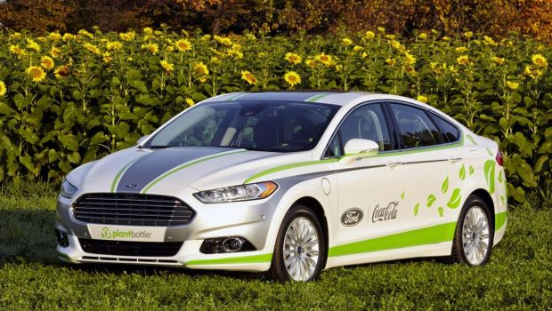 ford-fusion-energi-plantbottle-01-620x350