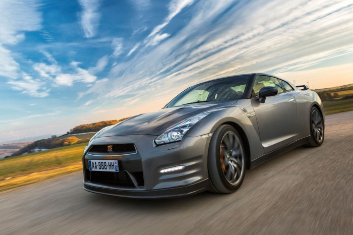 Nissan_GTR_2013_005
