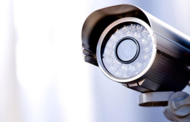 surveillance-camera.jpg (640×411)